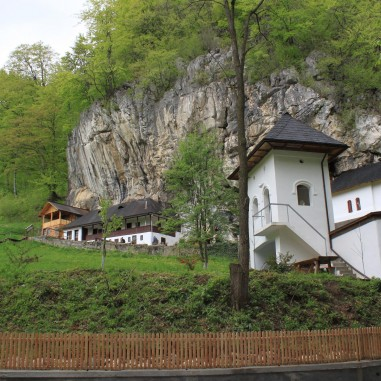 Sfânta Mănăstire Pahomie